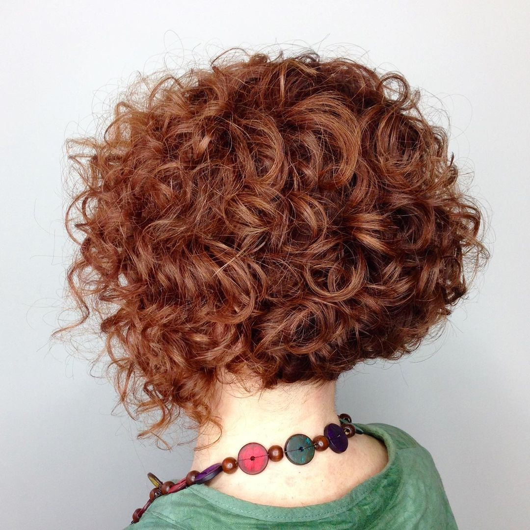 29 Short Curly Hairstyles To Enhance Your Face Shape