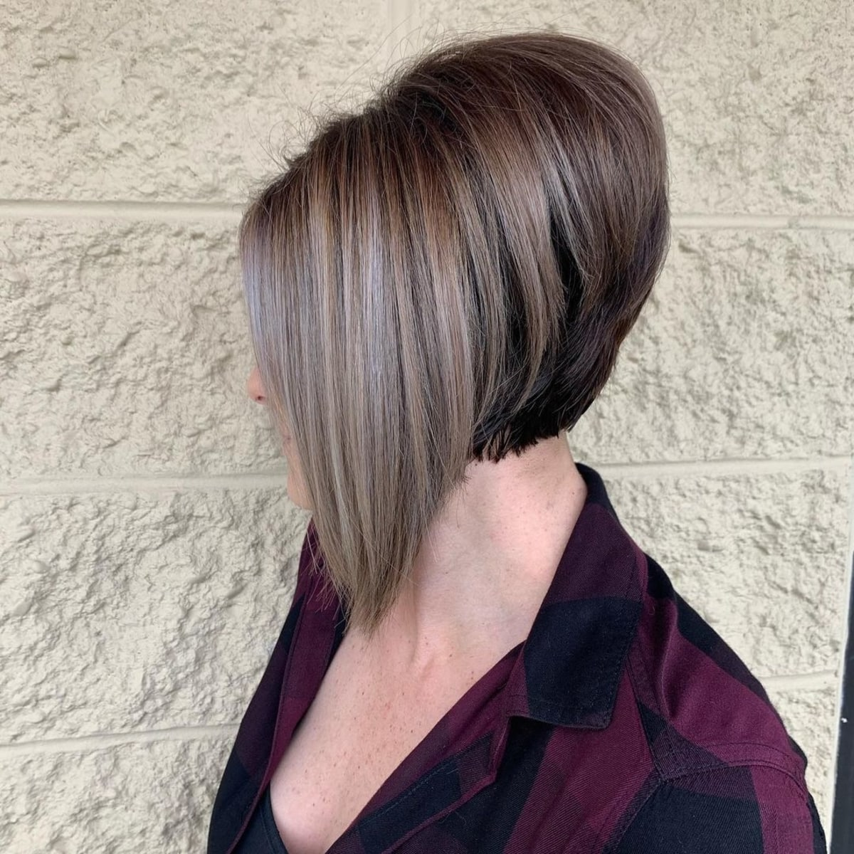 The cutest short stacked bob hairstyle