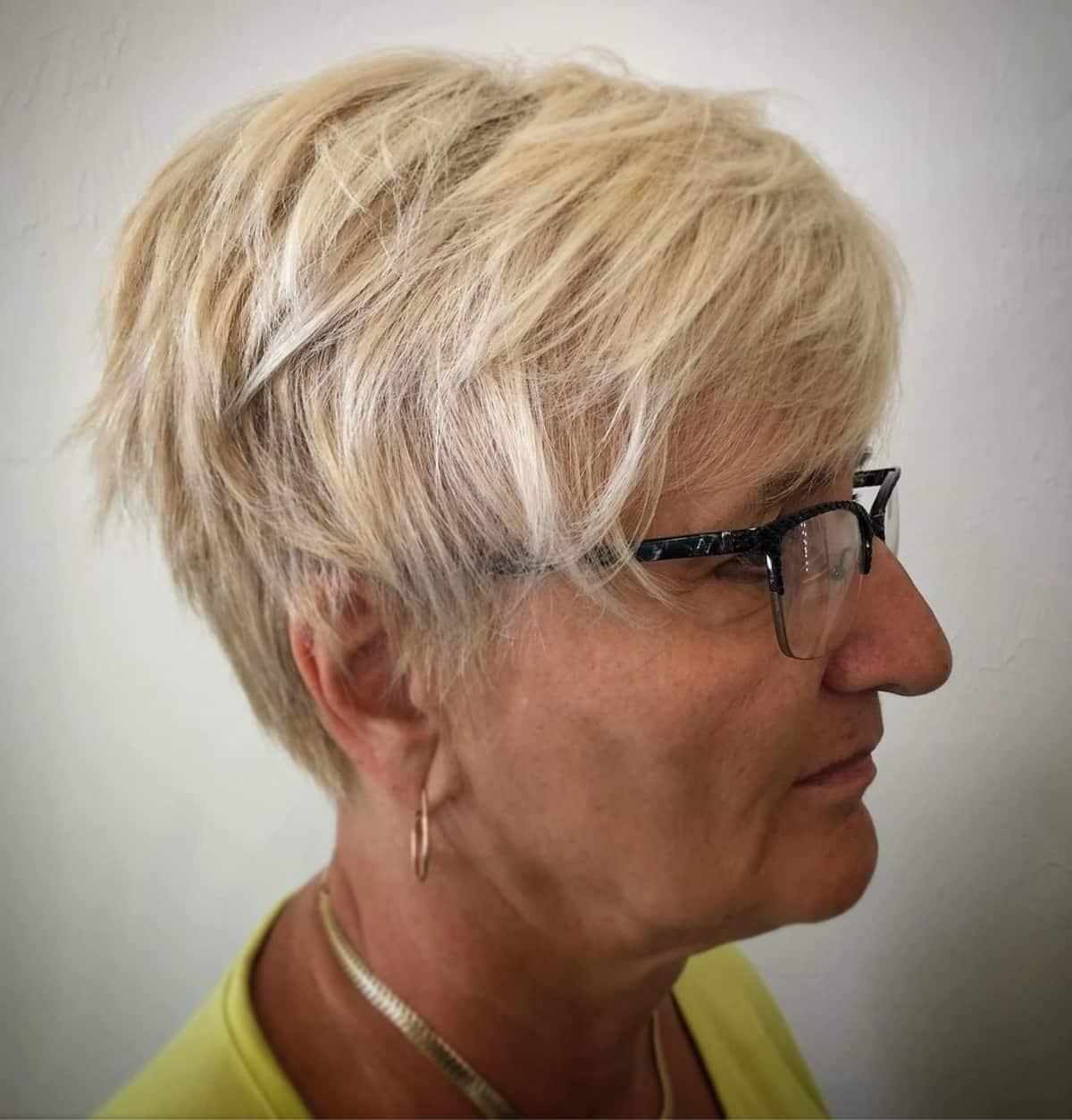 El corte de pelo de duendecillo en capas