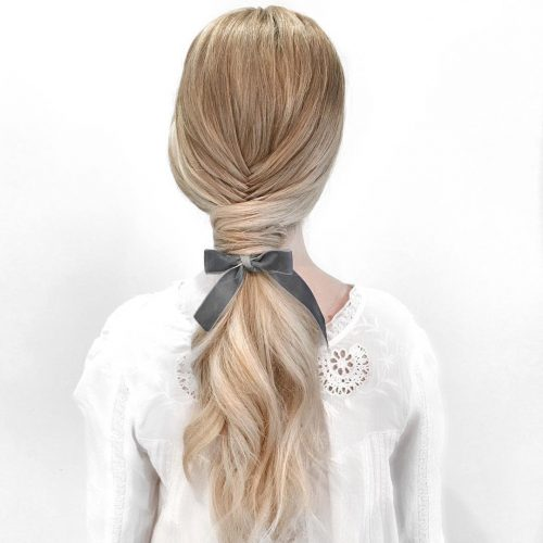 Picture of the prettiest ponytail a long simple hairstyle