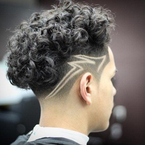 El diseño del cabello en zigzag