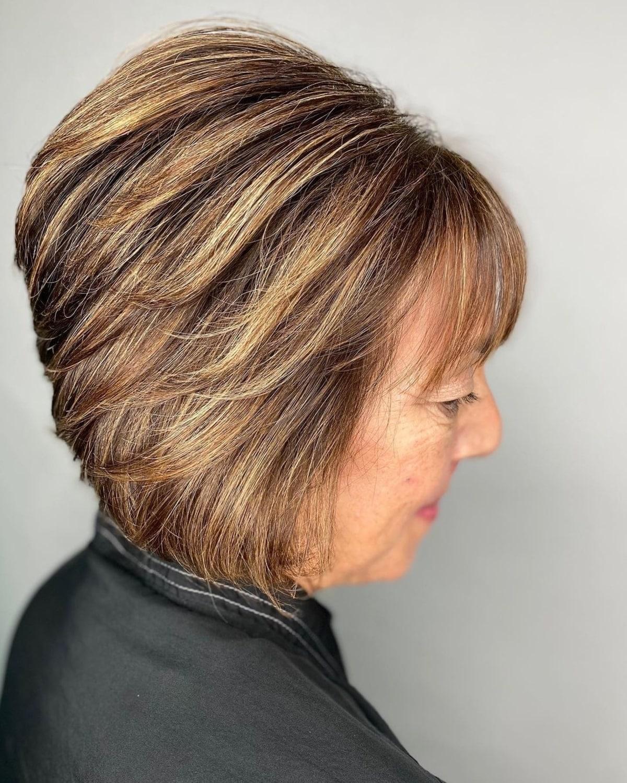 Bob invertido atemporal en mujeres maduras con cabello corto