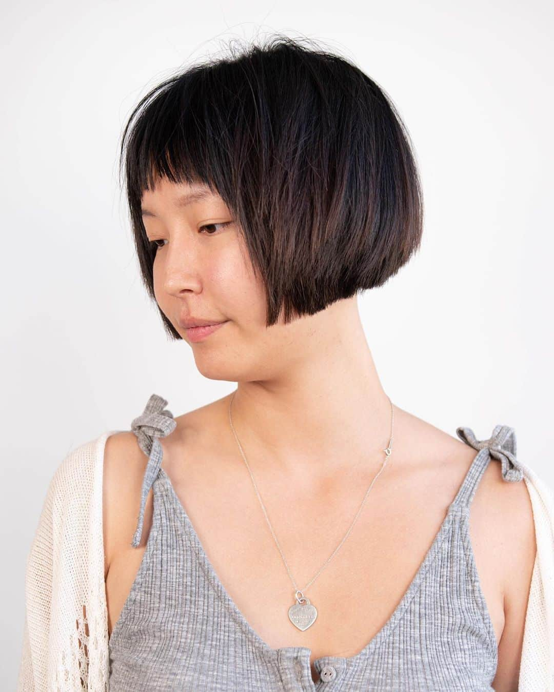 trendy short bob haircut for asian girl