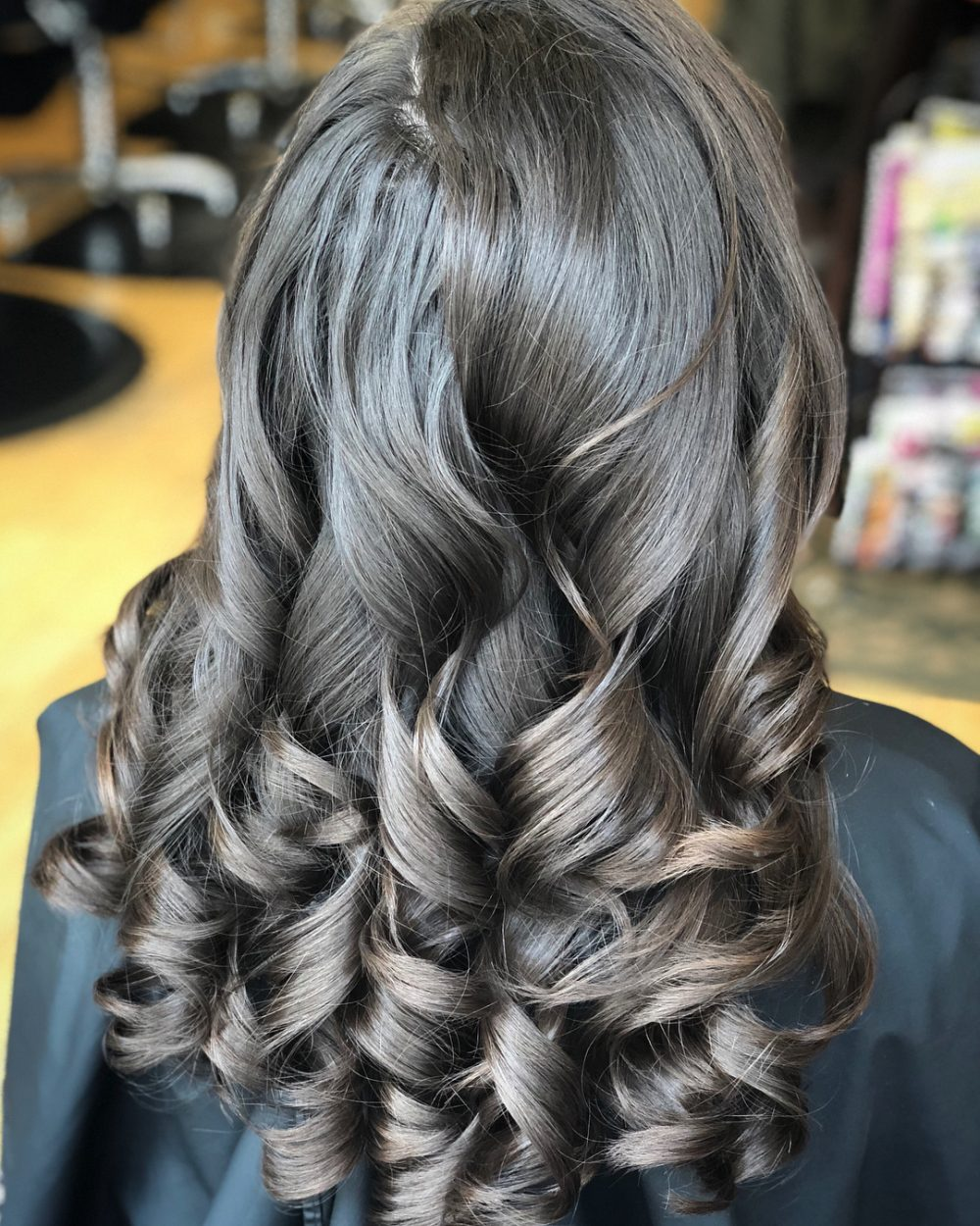 Vintage Glam Style hairstyle