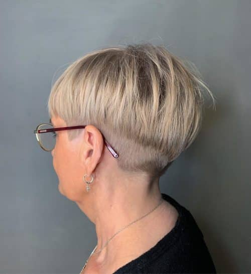 17 Best Short Hairstyles For Women Over 50 With Glasses